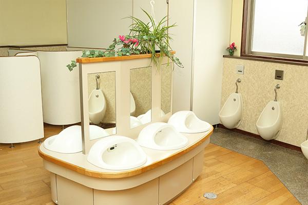 トイレは快適ドライ床方式を採用