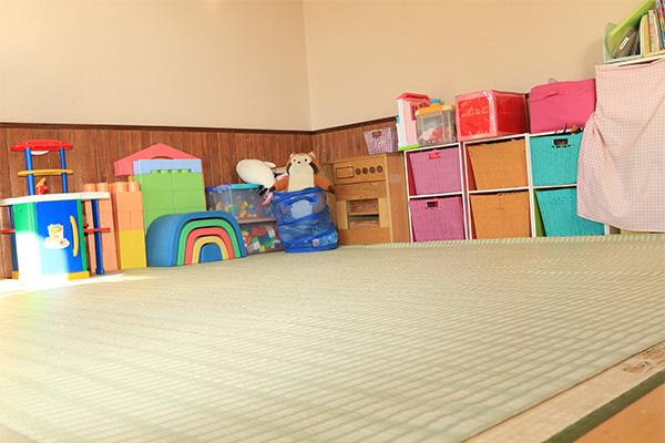 延長保育を行なう畳仕様のKid'sルーム
